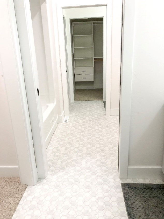Powder Room Patterned Vinyl Sheet Floors