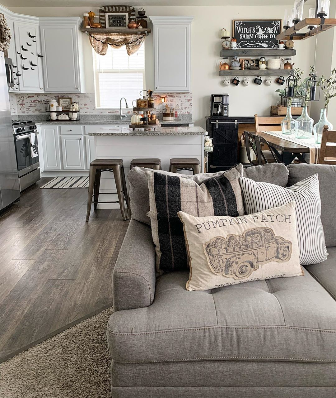Modern Farmhouse Fall Decor Ideas