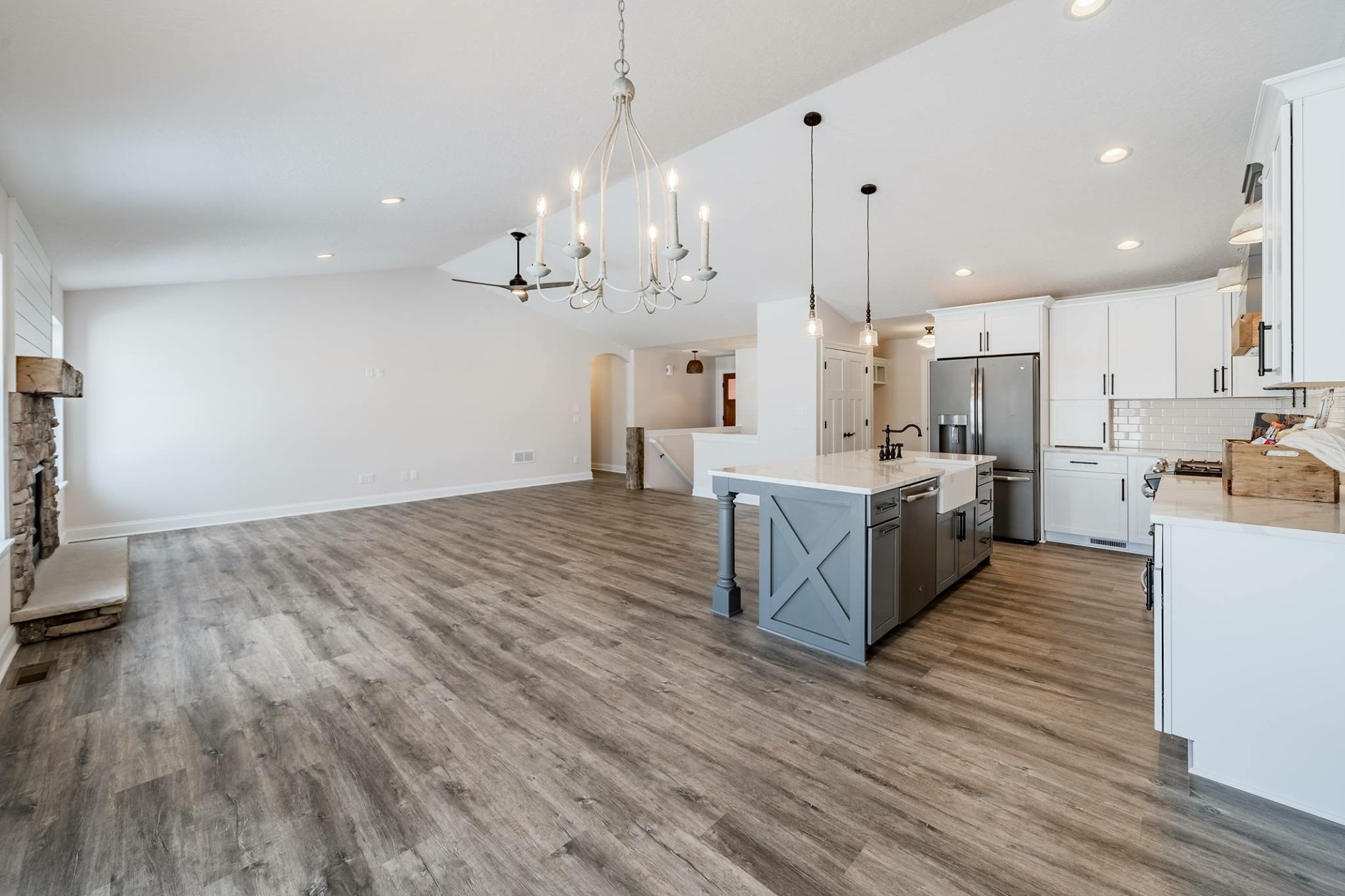 Farmhouse Style Vinyl Plank Flooring