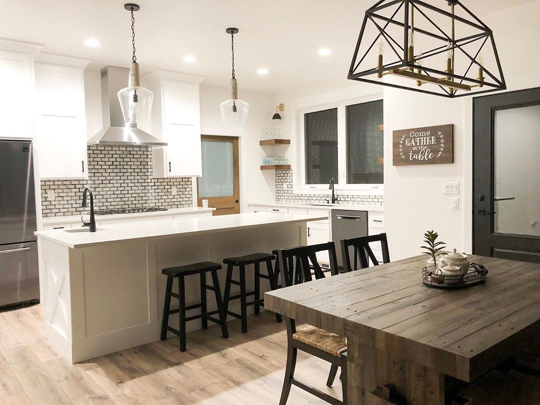 Modern Farmhouse Kitchen with Laminate Wood Floors