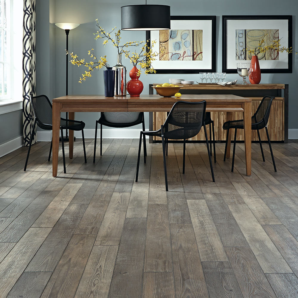 Laminate floor home flooring laminate options for Most popular flooring in new homes
